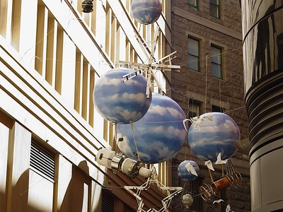 Inflatable Balls falling from the sky artwork